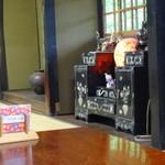 峠の茶屋 一軒屋 - 螺鈿の引出