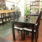 ハーモニー - テーブル席
