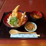 鎌倉からり - 特製天丼(1050円)