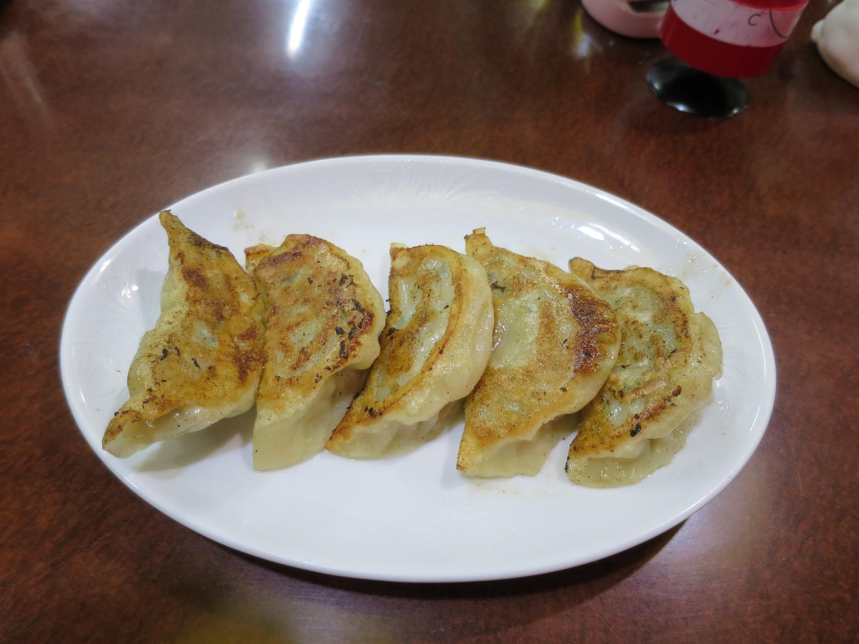 イサム中華レストラン
