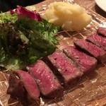 黒毛和牛一頭買い肉バル デルソーレ - たまらん。和牛ステーキは最高に贅沢