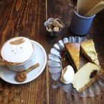カフェ・ロッタ - カプチーノ、よくばりケーキプレート