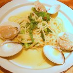 クォーレ - ハマグリと菜の花のリングイネ(ビアンコ)