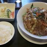 Ryuunokakurega - あんかけ焼そば+麺セット(サラダ&小ごはん)