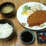 ヒカリ - とんかつ定食 600円