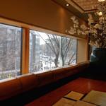 鎌倉 松原庵 欅 - カウンター席からの表参道の眺め 2015年3月