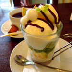 小さな街の食堂 cafe MISTY - 青葉パフェ(小松菜のパフェ)