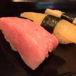 ぎふ初寿司 - 料理写真:トロ600円と数の子400円子持ち昆布400円
