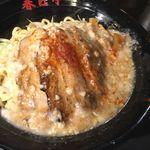 油そば専門店春日亭 - 炙り鳥豚(とりとん)油そば 中 ¥890