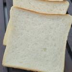 石窯パン工房 くまのpan屋. - ふんわり食パン