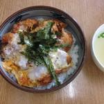 ときわ軒 - ときわ軒の鳥かつ丼、スープ付で500円