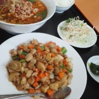 カイシンゲン - 料理写真:鶏肉の炒めと台湾ラーメンのセット