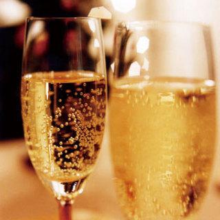 ソムリエが厳選した赤白のワイン6種類が飲み放題!