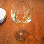 39519450 - グラスワイン 白