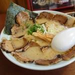 吉兆夢 - 料理写真:2015年5月 炙りちゃあしゅう麺豚骨(濃厚、太麺)【980円】チャーシューうまいわ~(´▽`)