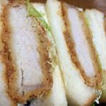 ピノ - 料理写真:厚切りロースカツサンド