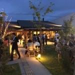 カフェ ジャルディーノ ピッツァリア - 夜はパーティーなどでも人気です。