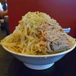 麺とび六方 - ラーメン特大(ヤサイマシ)