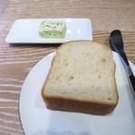 ヤナカ スギウラ - 自家製パン、海藻バター