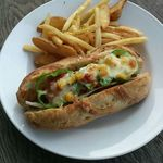 バレットカフェ - フランスパンのホットドッグ!極太ソーセージで食べ応え満点!