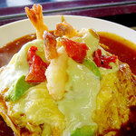 美味卵家 - アボガド風味の海老マヨネーズのせオムハヤシ