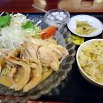 栄記 香辣坊 - 「バンバンジー冷し中華+小チャーハン」700円也。税込。