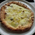 pizzeria DA SASINO - クアトロフォルマッジ ¥1350