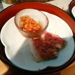 39564103 - 手前腕肉、奥キムチ豆腐