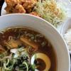 中国家庭料理城香亭 - 料理写真:Cランチ! ラーメン、唐揚げ、ライス、サラダ(キャベツの千切りね)、漬物(ザーサイ)、アイスコーヒー で680円!