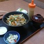 焼き肉 やません - 日替わりランチ(本日は豚丼)650円