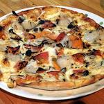 グラス - 長万部産特大ホタテのスペシャルピザ(Sサイズ)