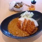 カフェ マル - チキンカツカレー 780円