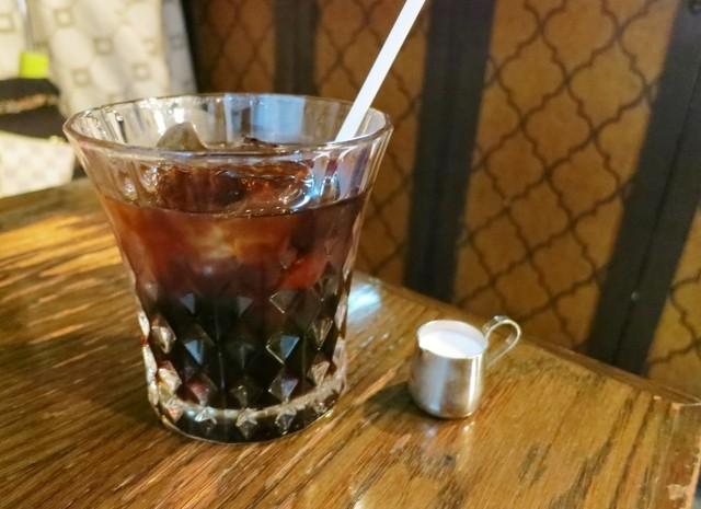 伏見珈琲館 - アイスコーヒー。ピッチャーもカップも昭和!