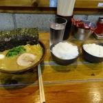 麺童虎徹 - 「麺童虎徹」大盛りライスと小ライスは共に同じ小さい器です!!