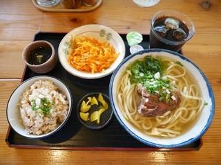 古謝そば屋 - そばセット¥750 +ソーキそば(変更)¥100