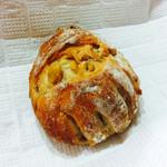 39577107 - 栗とくるみのパン ¥175