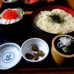 味喜や - 料理写真:三食丼と稲庭うどんのセット850円・・・エンガワとホタテとイクラで二色だけど・・・