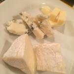 39578579 - チーズの盛り合わせ
