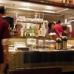 タイレストラン タニサラ - 新しいコックがバンコクから来ました
