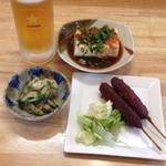 一耕 - 生ビールに冷奴、串カツ、小鉢が付いて1000円‼︎