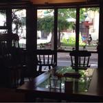 カフェ・ロウライフ - ミニ大通り公園の緑も癒される