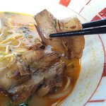 博多麺王 唐津店  - けっこう醤油のしみ込んだバラ肉チャーシュー