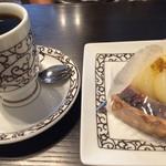 元町珈琲 - ブレンドコーヒーと梨のタルト