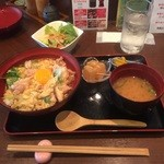 夙川 中屋 - 若鶏と地玉子のとろとろ親子丼¥850