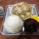 39601115 - 肉入り野菜いため定食\900+大盛り\100