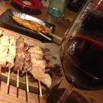 39601173 - 赤ワインと焼き鳥と