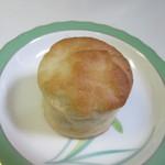 天然パン工房 楽楽 - 料理写真: ふわっとした食感を出す為タピオカ粉を配合した米粉を使ったパン、小麦粉を使ってないから小麦アレルギーの方も大丈夫です。