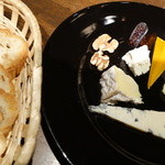 39603712 - チーズの盛り合わせ