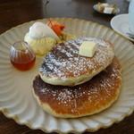 ククリ - パンケーキ(プレーン)750円