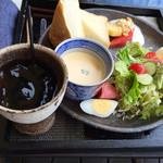 39605137 - 朝のセットです✯⸜(ّᶿ̷ധّᶿ̷)⸝✯500円プラス、アイスコーヒー750円
